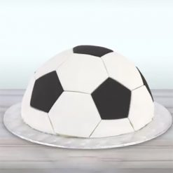 Voorbeeld met PME Football/Soccer Pattern Cutter Set