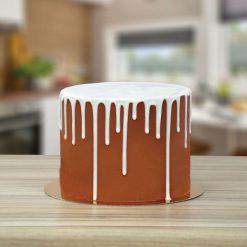 PME White Chocolate Flavoured Luxury Cake Drip eindresultaat